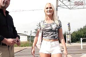 VIP SEX VAULT - Voluptuous Czech MILF Rossella Visconti Bangs Outdoor With Porn Agent