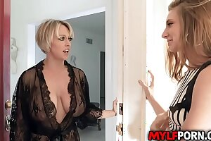 Sexy Lesbian MILF Dee Williams and her hot girlfriend Jaycee Starr are both horny and started a lesbian sex that ends in a multiple shared orgasms.