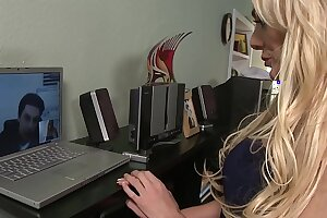 Big Boobs Blonde Hot Mom Finds her Dream Big Cock on Online Dating Site